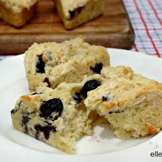 Low Calorie Dessert Blueberry Scone.