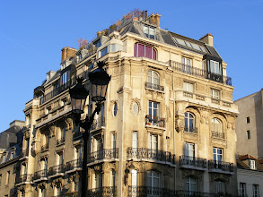 Photo: I would guess that the nearby real estate is some of the priciest in Paris.
