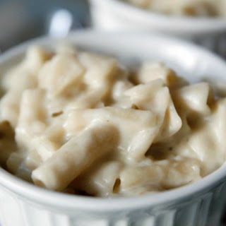 Slow Cooker Creamy White Mac 'n Cheese