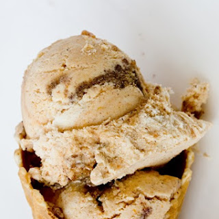 Pumpkin Cinnamon Bun Ice Cream (No Churn)