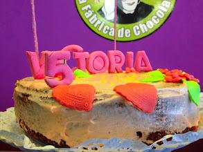 Photo: Tarta Sweet Moments recubierta con chocolate rosa. Decoracion en 3D