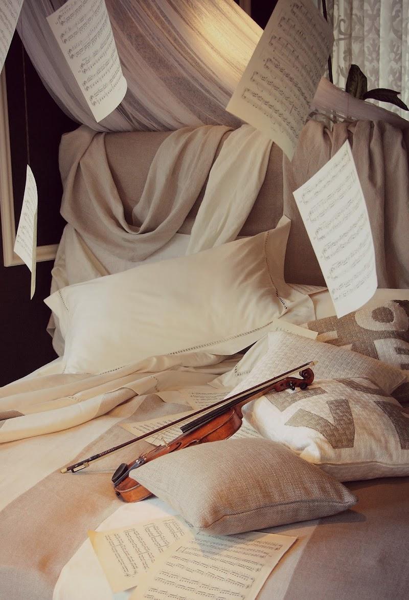 Rifare il letto a un artista disordinato di letiziacaprettiphotography