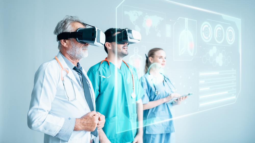 Tecnologias 3D têm ajudado na formação de futuros médicos em cem universidades brasileiras. (Fonte: Shutterstock)