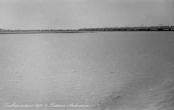 Photo: Аму-Дарья. Чарджоуский (Чарджуйский) железнодорожный мост. Построен в 1901 году. Фото 1976 года.