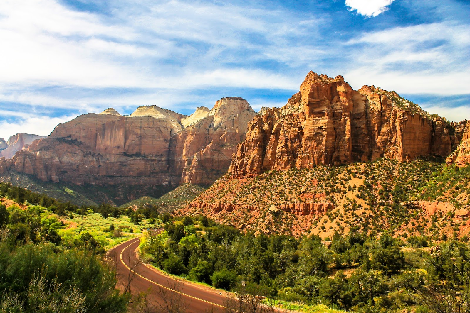 zion-scenic-drive-road-national-park-canyon-red-rock-utah