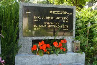 Photo: Motzko Alma, Dr. (Stadtrat, Gemeinderat,  1887 - 1968)