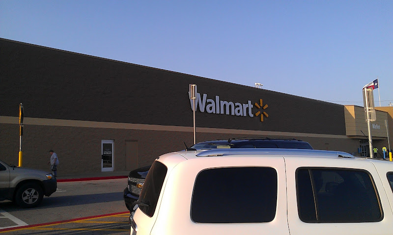 Photo: We have been shopping at Walmart a lot more recently and this is the new and improved front of our Walmart (Walmart store #345 in Palestine, TX)