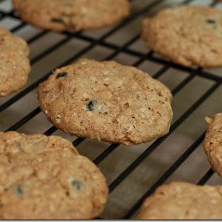 Crispy Blueberry Oatmeal Cookies.