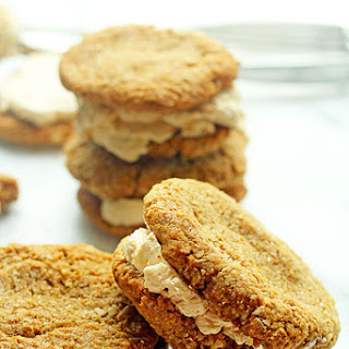 Oatmeal and Turbinado Cream Cookie Sandwiches