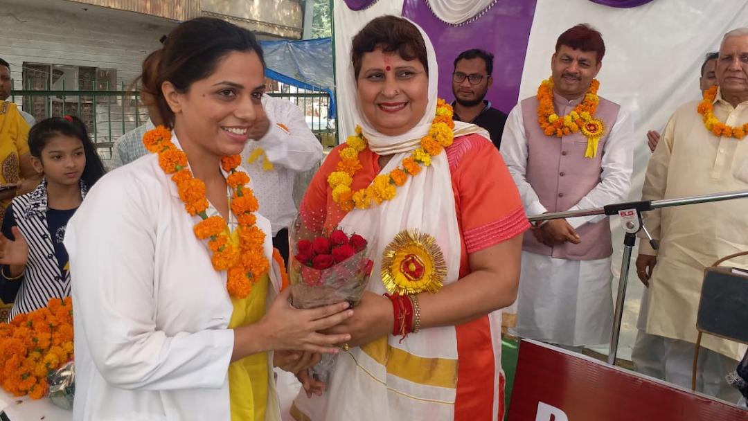 Dr Vartika Kaushik-ENT Specialist In Delhi: Best ENT