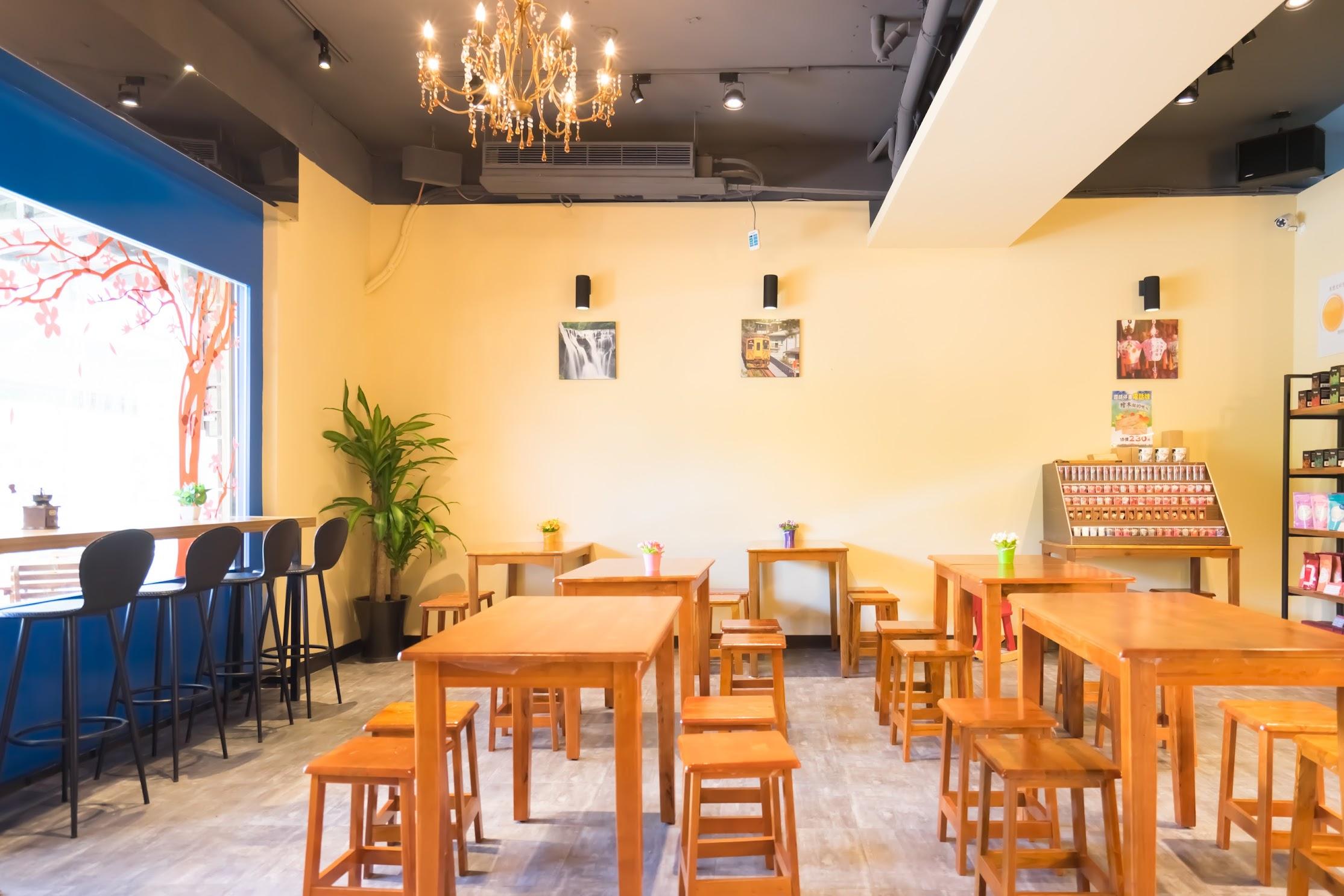 Taiwan Pingxi Line Shifen cafe2
