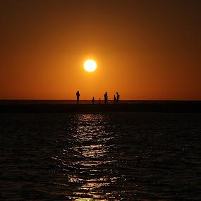 SUNSET by Yash Savla - Landscapes Sunsets & Sunrises ( konkan, sunset with people, sunset, india, sunrise )
