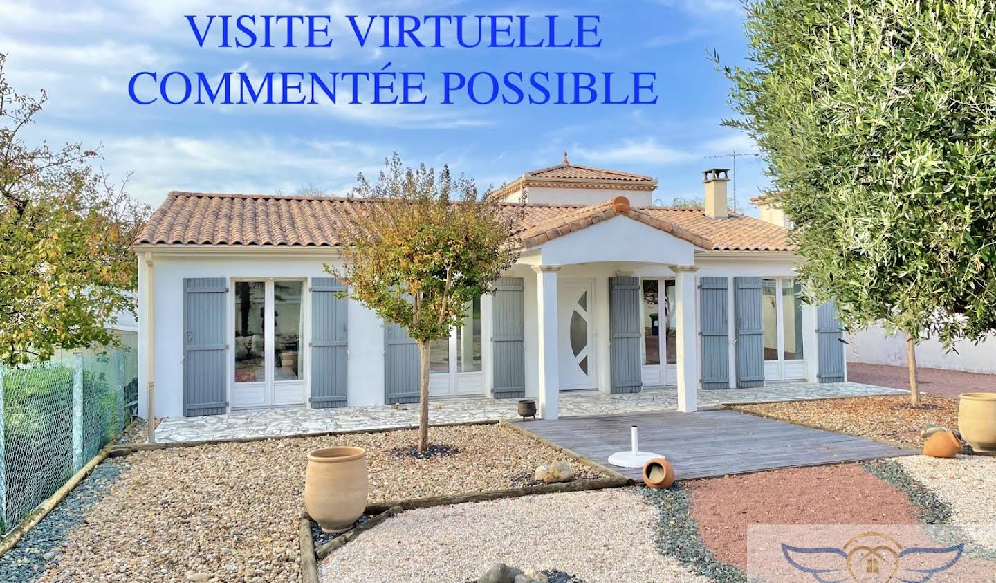 House with pool Royan