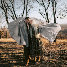 Wedding photographer Nikita Kver (nikitakver). Photo of 23.10.2018