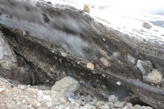 Photo: Evidence of past glacial sediment transport!