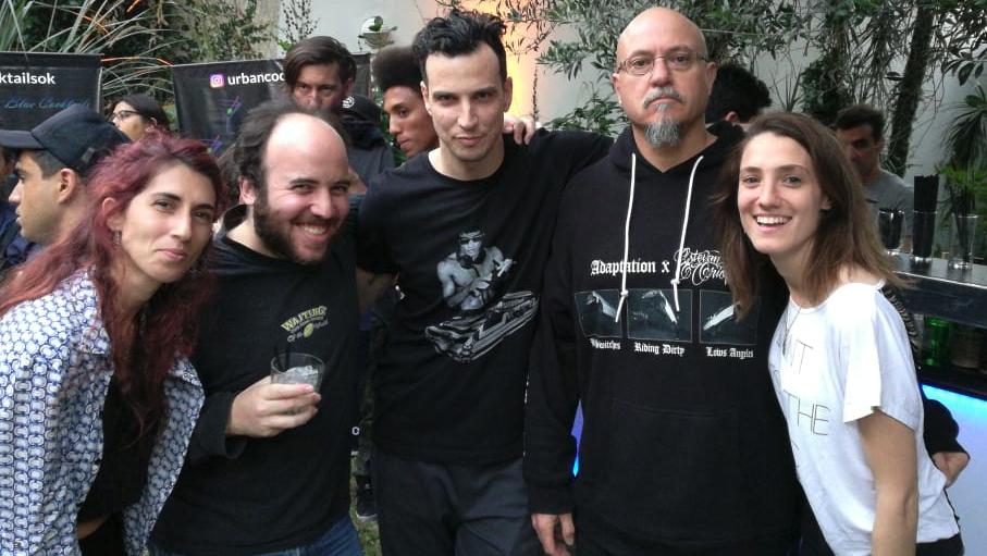 De izquierda a derecha: Guillermina Chiariglione, Jonathan Smeke, Brian Maya, Estevan Oriol y Sofía Belgeri.