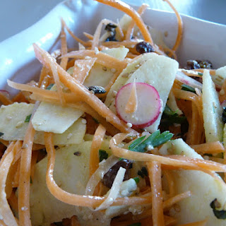 A Crunchy Salad for Grilled Foods.