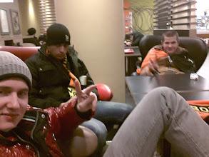 Photo: Im McDonalds über 5 Stunden auf unseren Zug nachhause warten...