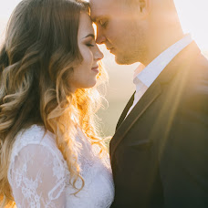 Wedding photographer Anatoliy Cherkas (Cherkas). Photo of 12.11.2017