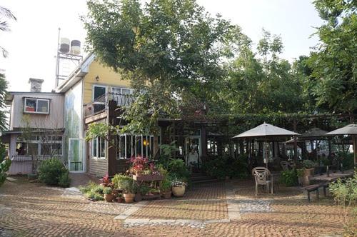 桃園景點推薦-旅遊好去處【阿勃勒藝文農莊】親子餐廳