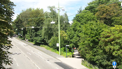 Photo: Der Buschey-Park von der Fußgängerbrücke über dem Bergischen Ring aus.