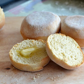 The Great Bloggers Bake Off - English Muffins.
