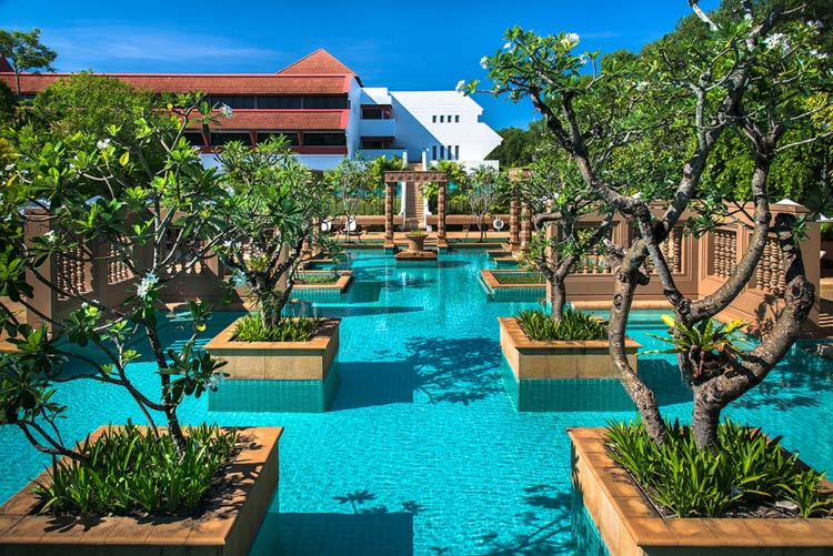 Le Méridien Angkor in Cambodia — score a room for 3,000 points per night.