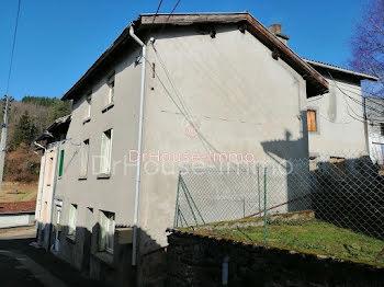 maison à La Monnerie-le-Montel (63)