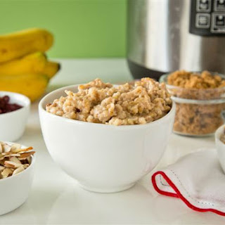 Make-Ahead Slow-Cooker Maple Oatmeal
