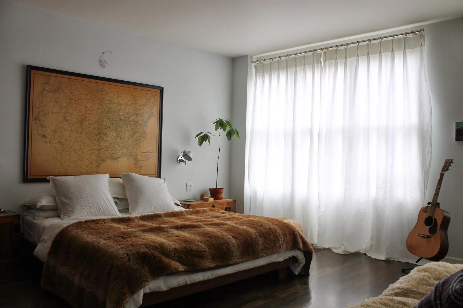 Một tuyệt tác rèm vải lanh trong phòng ngủ
