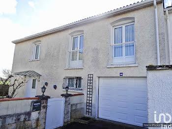 maison à Frontenay-Rohan-Rohan (79)