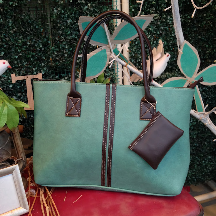 Classic Tote in Mint Green by Le Tea Boutique