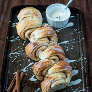 Cinnamon Roll Pull-Apart Bread Recipe