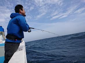 """Photo: """"タケダさん""""もトラブル復旧後、ようやくヒット!・・・波は高いですが。"""