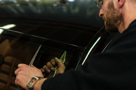 Teintage de vitres de voiture