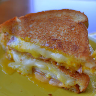 Easy Breakfast Grilled Cheese.