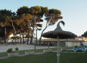 Photo: Mallorcalle (tai yleensä Espanjalle) tyypillinen aurinkovarjomalli