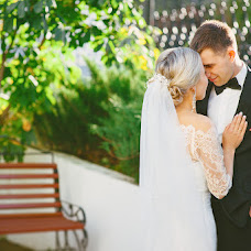 Wedding photographer Snezhana Karavaeva (snezhannak). Photo of 14.12.2015