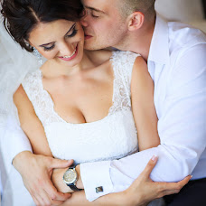 Wedding photographer Viktoriya Savinova (SAVINOVA). Photo of 15.10.2015