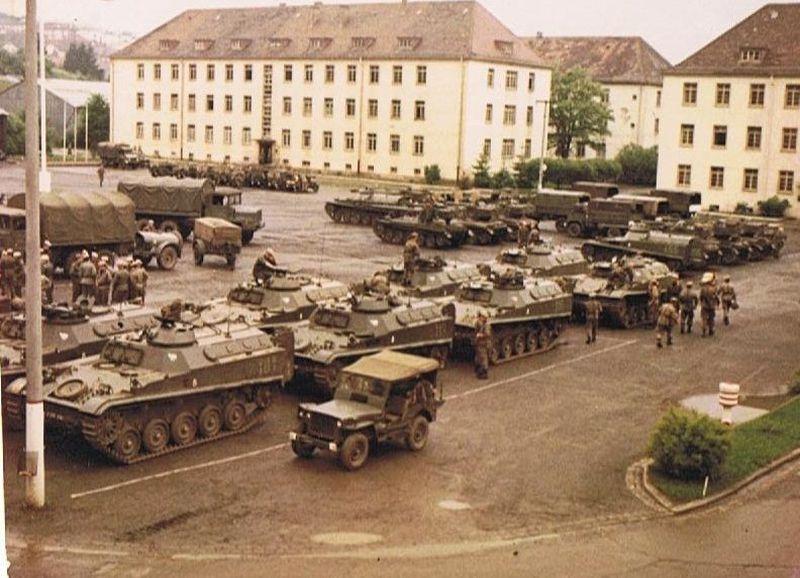 Diorama Forces Françaises en Allemagne 1975 - 1991 SbrHioVS3Lkh_oBL1DKrMnAPMcd-qyND_PSdvY-X9z4I9-Mgd9EQQ_rkKqxejZ59UdUGp4cIGlqrL6DoPVGQkknobIFYw70f0M56xVx0NnQ0XZMz38jwbqEmc1XV3fiD8NEQ-jrzvEC8sNHVIUN3cyGoYWtntC7QG-37ENdRdUrdoIWqz8jDR20KJvpQvzect6q8z4f5E2_AK0B3jDd5uLksepIJ2lCdt6gM-aPGuy43tejw7Z60me6P2VqvjPetMy0mojKcsVn59d-o0q6p8i-Kly717JQ6so8oEQQAqtAUXvDI0iMSdASncdBYtTiHeIYgANocpxQ-Suj47xUPp4RszmcLKawMonWzr0jpcB3HsFg_uPvKEx0GShPeiMGFBygQObHDWVKaRSGHH0IJbC3BlXs5wxvpqszDVEmu0qidJSRGzvgquAChBcJvTAWw_2IlXgy0MOdetffHBYYfo_rV0LDAFSjJGNlYKiy5fesKeO_GvocAALDukJ0kGtggMGKLbhwbeZkRbfiucJE16x-jAsy8z1Bydq8sf0bDFx9MUrxvbsa1mYKbs0VXtS9PC2cN6hjuv8Y3WsDbRr2qma9AWn8TpeLhq405Y754itux1WvLW-Tolq-yHT-bZoftLNASO0JnuurvUogvGNWokTMaeuj1mqaiJQ=w800-h578-no