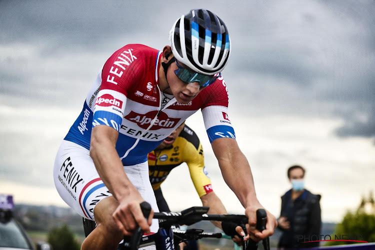 Mathieu van der Poel sluit seizoen af met duik in de gracht