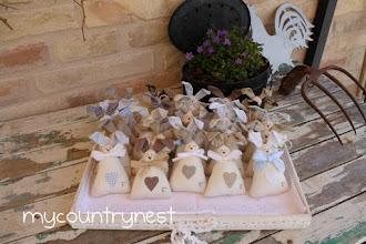 Photo: coniglietti Tippi con iniziale ricamata