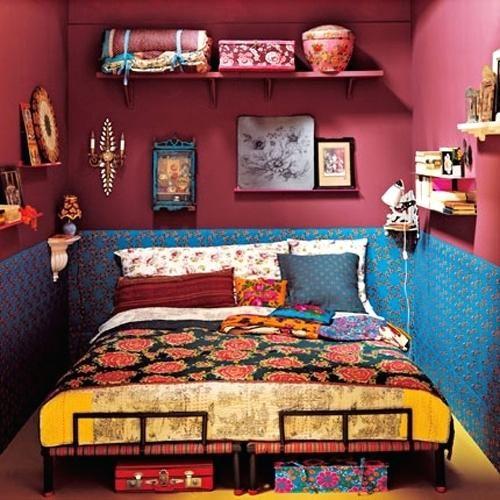 Không gian phòng ngủ retro đậm cá tính màu sắc