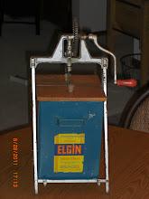 Photo: Elgin 2 Gal. Churn