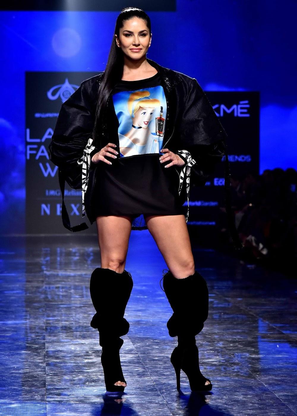 lakme-fashion-week-summer-2020-best-dressed_sunny_leone