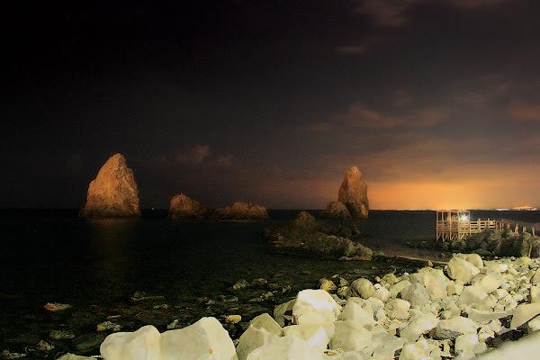 Faraglioni dei Ciclopi, Acitrezza di rosarionotaro@gmail.com