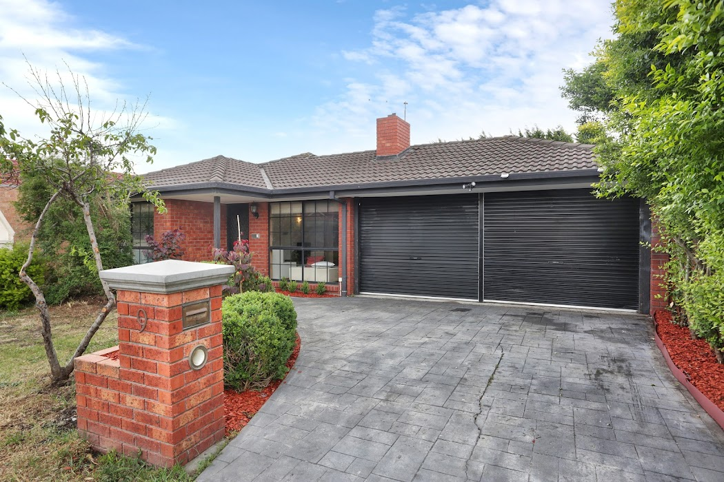 Main photo of property at 9 Rossiter Avenue, Roxburgh Park 3064