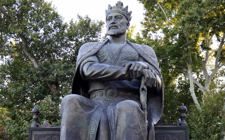 Estátua de Tamerlão, o Coxo. Imagem: autor desconhecido.