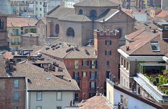 Photo: Torre Guttuari e chiesa di San Paolo