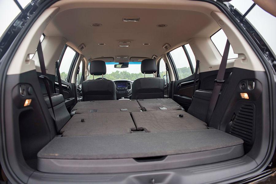 Hàng ghế sau của xe được thiết kế có thể gập lại được